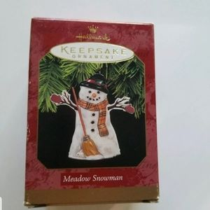 1997 Hallmark Keepsake Ornament Meadow Snowman Pre